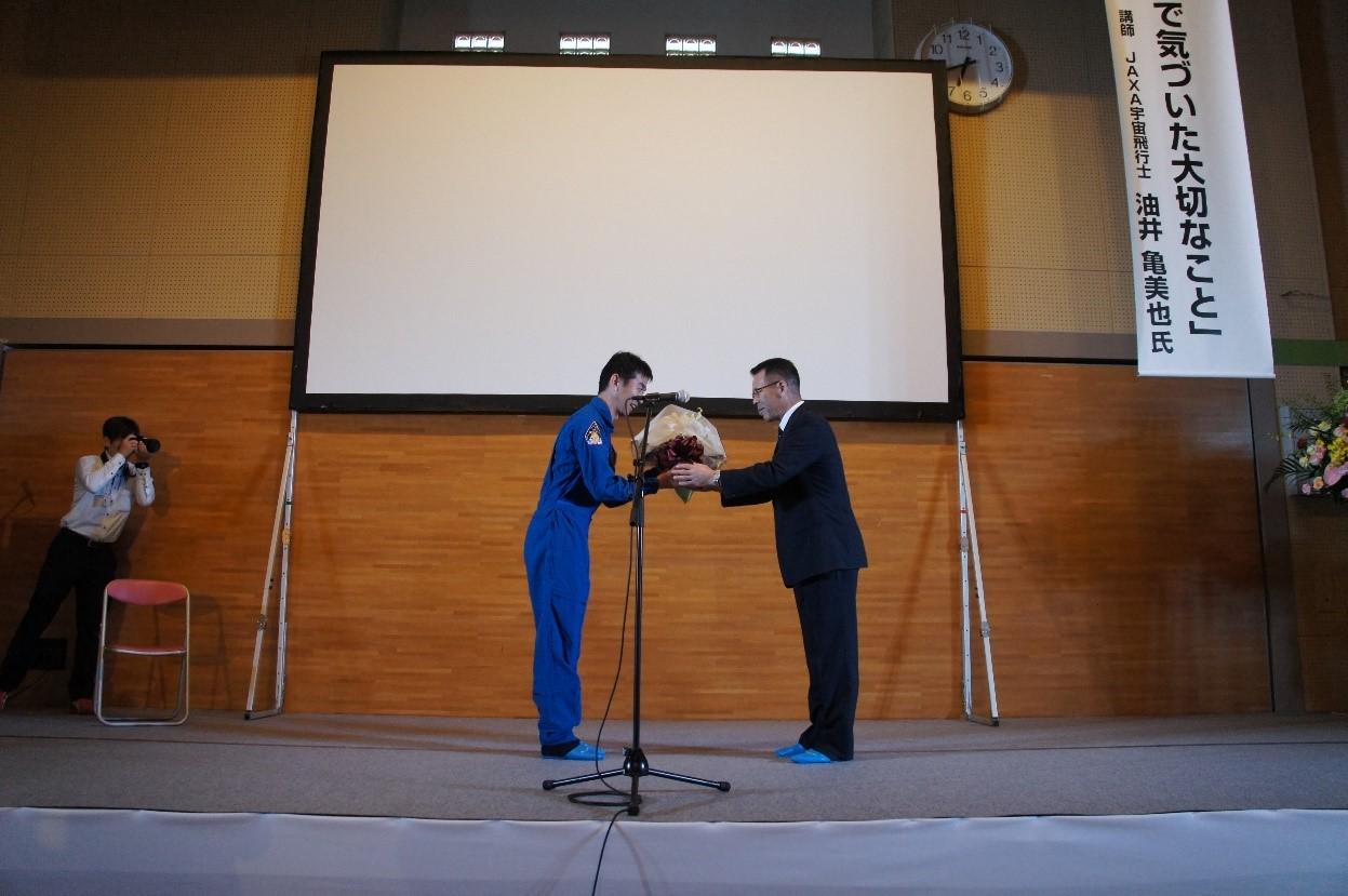 http://www.bodaidsk.com/news_topics/images/29otokozakari-22-1-2.jpg